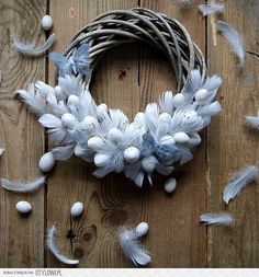 DIY home made hand made Easter door wreath with cheap plastic eggs. Pastel coloured eggs with ribbon. Step by step guide. Easter Wreaths, Christmas Wreaths, Christmas Decorations, Diy Spring Wreath, Diy Ostern, Easter 2020, Easter Holidays, Wreath Crafts, Easter Crafts