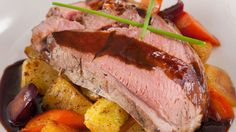 Roasted Leg of Welsh Lamb au Jus - Michael Bonacini Roast Lamb Leg, Lamb Ribs, Healthy Meats, Healthy Recipes, Salsa Gravy, Summer Recipes, Great Recipes, How To Cook Lamb, Beef Short Ribs