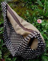 Szorgos kezek: Pöttyös táska (ingyen szabásmintával és varrási útmutatóval) Textiles, Diy Jewelry, Purses, Sewing, Knitting, Gifts, Bags, Shoes, Farmer