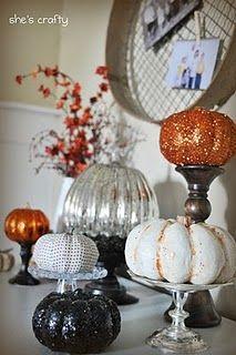 Cake plates and candlesticks Halloween Mini Session, Halloween Pics, Autumn Decorating, Pumpkin Decorating, Thanksgiving Decorations, Halloween Decorations, Holiday Crafts, Holiday Fun, Pumpkin Display