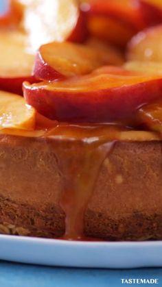 Peach Cheesecake, Cheesecake Recipes, Dessert Recipes, Cold Desserts, Delicious Desserts, Yummy Food, Health Desserts, Tastemade Recipes, Food Garnishes