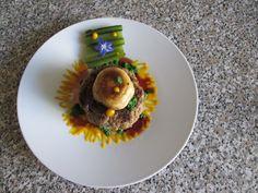 Hamburger de boeuf avec champignon et còte de bette verte et  2 sauces Gino D'Aquino