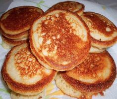 Johnny Cakes or Hoe Cakes are a true Southern delicacy! This Johnny Cake recipe (also known as a fried cornbread) is so easy and perfect for breakfast or anytime of day. A classic southern recipe, cornmeal Fried Cornbread, Cornbread Cake, Jiffy Cornbread, Johnny Cakes Recipe, Hoe Cakes, Deep South Dish, Southern Recipes, Southern Food