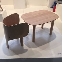 "Bureau et chaise ""Elephant"", design Marc Venot, Elements Optimal"