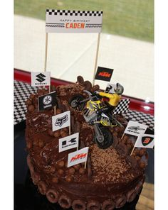 70 Ideas Dirt Bike Birthday Party For Kids Dirt Bike Party, Motorcycle Birthday Parties, Dirt Bike Cakes, Dirt Bike Birthday, Motorcycle Party, 2nd Birthday Parties, Boy Birthday, Cake Birthday, Motocross Birthday Party