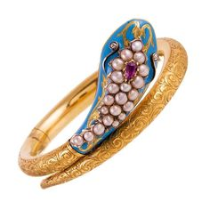 Falling in love with the iconic snake motif - Fortane Victoria enamel, ruby, pearl, diamond and gold snake bangle. Snake Jewelry, Animal Jewelry, Diamond Jewelry, Pearl Diamond, Gold Jewelry, Gold Pearl, Jewelry Sets, 18k Gold, Gold Bangles