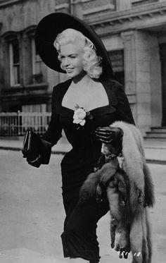Jayne Mansfield Golden Age Of Hollywood, Vintage Hollywood, Hollywood Glamour, Classic Hollywood, Blonde Actresses, Actors & Actresses, Vintage Glamour, Vintage Beauty, Black Mermaid Dress