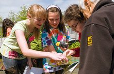 The Chicago Botanic Garden offers free classroom resource kits | $50 deposit that is refunded when you return the kit.