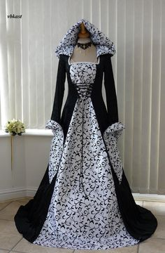 Medieval Gothic Renaissance Black and White Wedding Dress (WBBMD002)