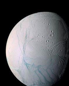 星の衛星「エンケラドゥス」
