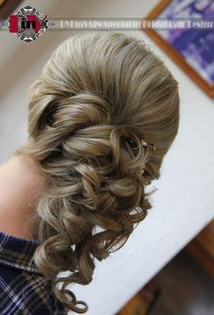 Nice hair style for bridesmaids