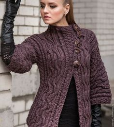 I love this cardigan. The body of the cardigan is knitted. Knitting Blogs, Knitting Patterns, Crochet Patterns, Crochet Yarn, Crochet Stitches, Knit Crochet, Cool Sweaters, Sweaters For Women, Crochet Collar