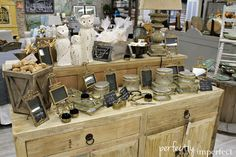 Vintage Market: Shop Displays