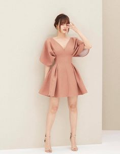 Short class dance clothes due to the outfit outlet optimal influence for school formal. Simple Dresses, Elegant Dresses, Pretty Dresses, Beautiful Dresses, Short Dresses, Pleated Dresses, Draped Dress, Dresses Dresses, Vintage Dresses