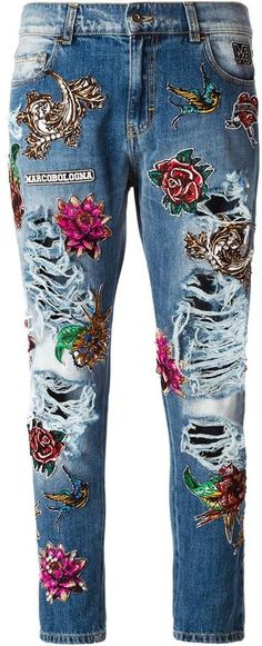 Explore striking women's straight leg jeans at Farfetch now. Find designer straight fit jeans and regular jeans from coveted luxury labels. Jean Diy, Jean Délavé, Diy Jeans, Embellished Jeans, Embroidered Jeans, Denim Fashion, Distressed Jeans, Jeans Recycling, Mode Hippie