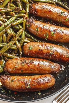 arlic Butter Sausages with Lemon Green Beans – This easy one-pan recipe is SO delish and nearly IMPOSSIBLE to screw up. G Arlic Butter Würstchen [. Sausage And Green Beans, Lemon Green Beans, Pork Recipes, Diet Recipes, Cooking Recipes, Healthy Recipes, Cooking Games, Recipes With Turkey Sausage, Italian Sausage Recipes