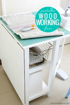 DIY Folding Craft Table / Foldable Desk with Storage Woodworking Plan – Remodelaholic Woodworking Desk Plans, Woodworking Furniture, Diy Furniture Plans, Farmhouse Furniture, House Frame Bed, Farmhouse End Tables, Diy Sewing Table, Storage Chair, Build A Table