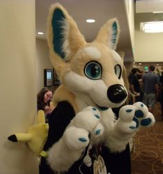 Fursuit by Autumn Fallings, so cute! Love the handpaws!