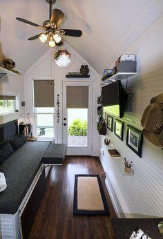 misschien nog een goed idee voor het Clubhuis van Jamie & Aiko (interieur witten is in ieder geval al een goed begin!!)