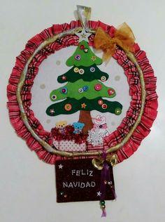 Corona de Navidad de Mundoalidades en  https://www.facebook.com/mundoalidades FELICES FIESTAS..!!!