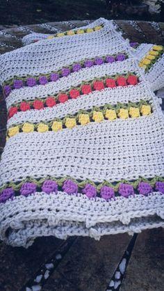 Manta bebe punto tulipanes Crochet baby blanket