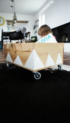 If Drew built a few of these for you and Bethy we could have a paint night to decorate them. And then we could raise the girls up and down the hall in them! Toy boxes on wheels. (Cool Projects For Boys) Kids Decor, Diy Home Decor, Deco Kids, Ideas Prácticas, Toy Boxes, Kid Spaces, Diy Toys, Diy Projects To Try, Kids Furniture