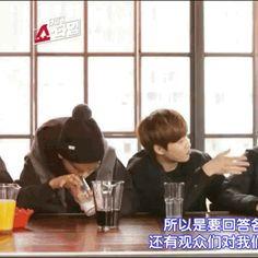 must.dip.cookie.in.milk. xD #chen #jongdae #exoshowtime