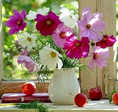 Solve Bouquet coloré jigsaw puzzle online with 64 pieces Cosmos Flowers, Flowers Nature, My Flower, Flower Vases, Flower Art, Beautiful Flowers, Bouquet Champetre, Good Morning Flowers, Arte Floral
