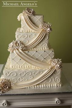 Classic Elegance This four tier square ivory buttercream cake makes… Beautiful Wedding Cakes, Beautiful Cakes, Raspberry Mousse, Square Wedding Cakes, Cake Sizes, Pear Cake, Buttercream Filling, Hazelnut Cake, Cake Trends