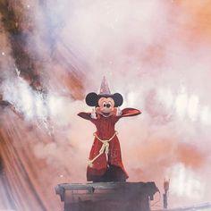 I absolutely love this show Walt Disney World, Disney Nerd, Disney Theme, Disney Trips, Disney Parks, Disney Pixar, Disney Characters, Disney Dream, Disney Love