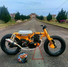 Awesome Cute cars photos are available on our internet site. Triumph Motorcycles, Concept Motorcycles, Cool Motorcycles, Vintage Motorcycles, Honda Cub, Mini Motorbike, Mini Bike, Vespa Vintage, Vintage Bikes