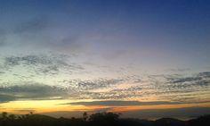 De ontem. ..o sol deixa um lindo impacto ,  mesmo depois que ele se vai♡ #sunset #sunsets #sunrise #sunset_pics #sunsetporn #sunrise_and_sunsets #sunrises #atardecer #amanhecer #beauty #horizon http://unirazzi.com/ipost/1508754864028878070/?code=BTwLI4blYT2