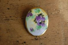 vintage Victorian brooch / 1900s jewelry / porcelain / AFFECTIONATELY