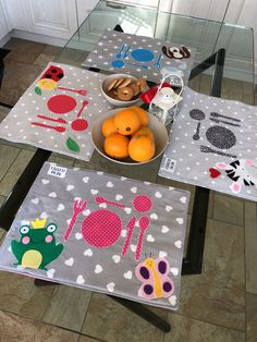 Montessori Toddler, Montessori Activities, Painted Picnic Tables, Picnic Blanket, Outdoor Blanket, Felt Embroidery, Sewing Aprons, Fabric Toys, Diy Gifts