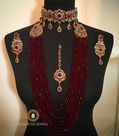 Check out the latest gold necklace designs for 2020 with our extensive list.We have covered Rani haar,Kundan necklace,polki necklace,meenakari necklace etc. Indian Jewelry Sets, Indian Wedding Jewelry, Indian Jewellery Design, Bridal Jewelry, Gold Jewelry, Fancy Jewellery, Stylish Jewelry, Fashion Jewelry, Bling Bling