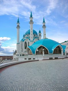 Kazan mosque a great place with great history Unusual Buildings, Interesting Buildings, Mosque Architecture, Art And Architecture, Islamic World, Islamic Art, Beautiful Architecture, Beautiful Buildings, Beautiful Mosques