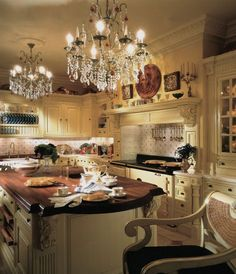 clive christian victorian kitchen in cream - Clive Christian Kitchen Cabinets
