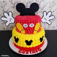 bolo de chantilly 2 andares - Aurelito b-day - Bolo Do Mickey Mouse, Mickey Mouse Clubhouse Cake, Mickey Mouse Birthday Cake, Fiesta Mickey Mouse, Theme Mickey, Classic Mickey Mouse, Mickey Cakes, Minnie Mouse Cake, Mickey Party