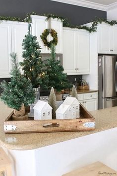white and green Christmas decor . - Legend White and green Christmas decor -Legend white and green Christmas decor . - Legend White and green Christmas decor - Elegant Christmas Decor, Decoration Christmas, Farmhouse Christmas Decor, Christmas Kitchen, Cozy Christmas, Green Christmas, Rustic Christmas, Simple Christmas, Christmas Holidays