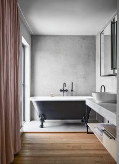 If you have a small bathroom in your home, don't be confuse to change to make it look larger. Not only small bathroom, but also the largest bathrooms have their problems and design flaws. Concrete Bathroom, Bathroom Flooring, Concrete Walls, Beautiful Bathrooms, Modern Bathroom, Bathroom Ideas, Bathroom Interior, Pink Curtains, Tadelakt
