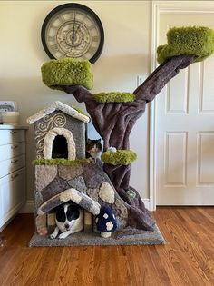 Animals And Pets, Cute Animals, Cat Castle, Cat Tree House, Kitty House, Diy Cat Tree, Cat Towers, Animal Room, Cat Enclosure