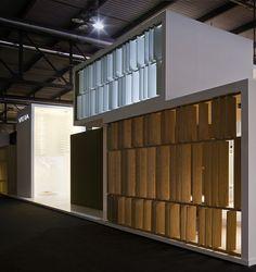 Vibia muestra su cara más elegante en Euroluce en un minimalista stand diseñado por Francesc Rifé