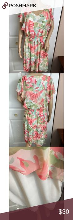 NWT Mint and Light Pink Floral Flounce Dress Brand new with tags! Pull on style. There is one tiny dot on the dress (I bought it this way) Fully lined. Smoke and pet free home. No trades. Perfect for church or beach weddings! 💗 Connected Apparel Dresses Midi