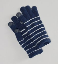 Every girl needs a pair of texting gloves.