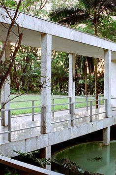 Fundação Maria Luisa e Oscar Americano, no bairro do Morumbi em São Paulo | Projeto Arq. Oswaldo Bratke