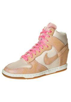 Nike Sportswear - DUNK SKY HI - Enkellaarsjes met sleehak - Beige