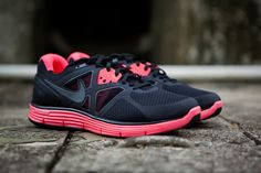 Training/running shoes for flat feet (haha me)...very cute!!!
