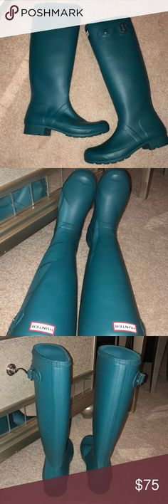 Hunter rain boots Beautiful matte blue/green boots awesome condition few scuffs on back of right boot pictured above other than that they are beautiful and comfortable Hunter Boots Shoes Winter & Rain Boots