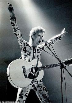 vezzipuss.tumblr.com — David Bowie, Circa 73