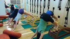 Adho Mukha Svanasana Yoga Props, Iyengar Yoga, Yoga Teacher Training, Asana, Yoga Pregnancy, Health Fitness, Poses, Stretches, Bench